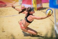 Polley-Shaunna-Marie-NZL-team-defend-the-ball