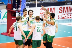 014AUS_players_celebrate_after_a_point