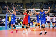 020CHN_players_celebrate_their_victory
