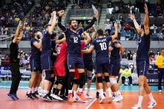 023IRI_players_celebrate_their_victory