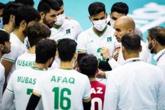 012Rahman_Mohammadirad_head_coach_of_PAK_briefs_his_players