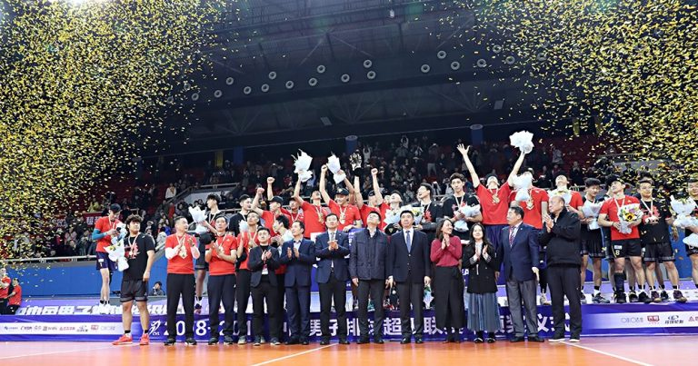 SHANGHAI REFRESH TEAM HISTORY WITH THE 15TH CHINA VOLLEYBALL LEAGUE TITLE