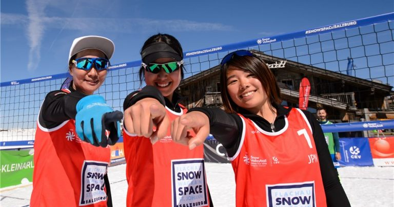 JAPANESE TEAM LOVING THE SNOW VOLLEYBALL EXPERIENCE