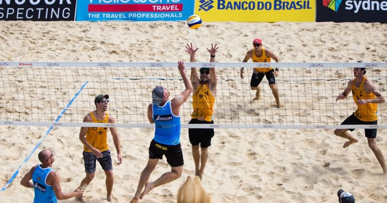 SYDNEY 3-STAR PLAYERS TEST FAST-PACED 4X4 BEACH VOLLEYBALL
