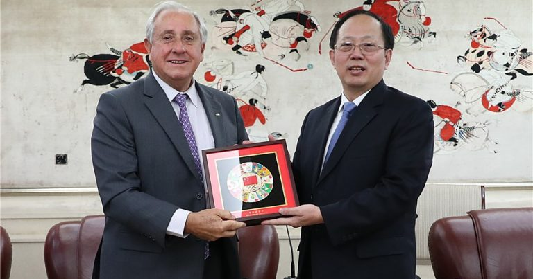 FIVB PRESIDENT APPLAUDS COMMITMENT OF CHINESE SPORTS MINISTER IN DEVELOPING VOLLEYBALL