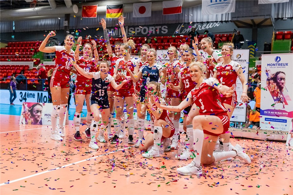 SMARZEK HELPS POLAND RALLY PAST JAPAN TO WIN MONTREUX VOLLEY MASTERS