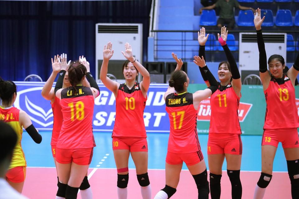 ZHONG HUI STEERS CHINA TO 3-0 VICTORY AGAINST HONG KONG CHINA AND SEMI-FINALS