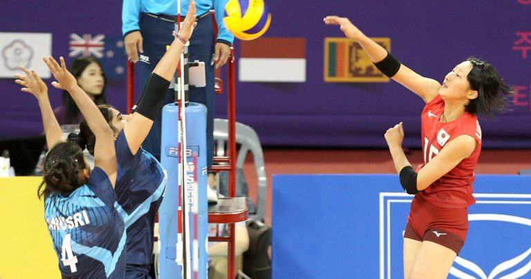 JAPAN START THEIR TITLE DEFENCE WITH LOPSIDED VICTORY OVER INDIA