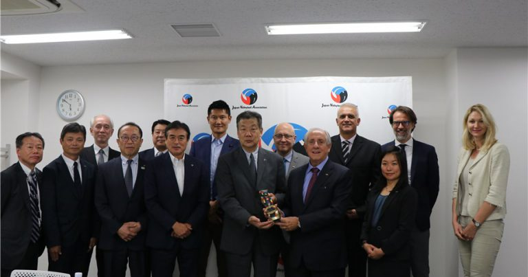 FIVB PRESIDENT DISCUSSES ADVANCEMENT OF VOLLEYBALL IN JAPAN WITH JVA