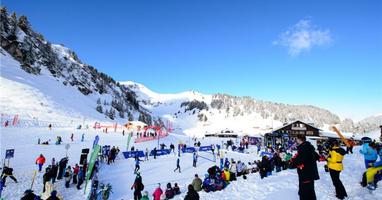 SNOW VOLLEYBALL FESTIVAL A HIT ON THE SWISS ALPS