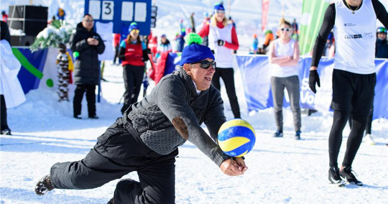 FIVB PRESIDENT IMPRESSED AT SNOW VOLLEYBALL FESTIVAL