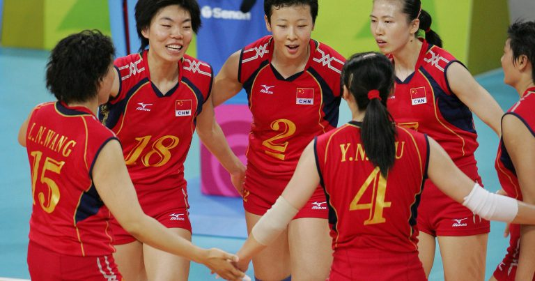 VOLLEYBALL LEGEND FENG KUN VISITS HOME OF EUROPEAN VOLLEYBALL