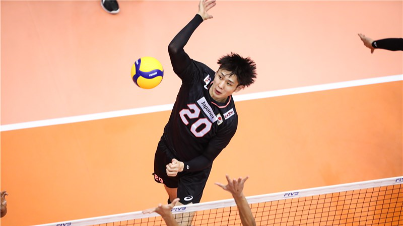ONODERA SPIKES AND BLOCKS FOR JT THUNDERS IN JAPANESE MEN'S LEAGUE