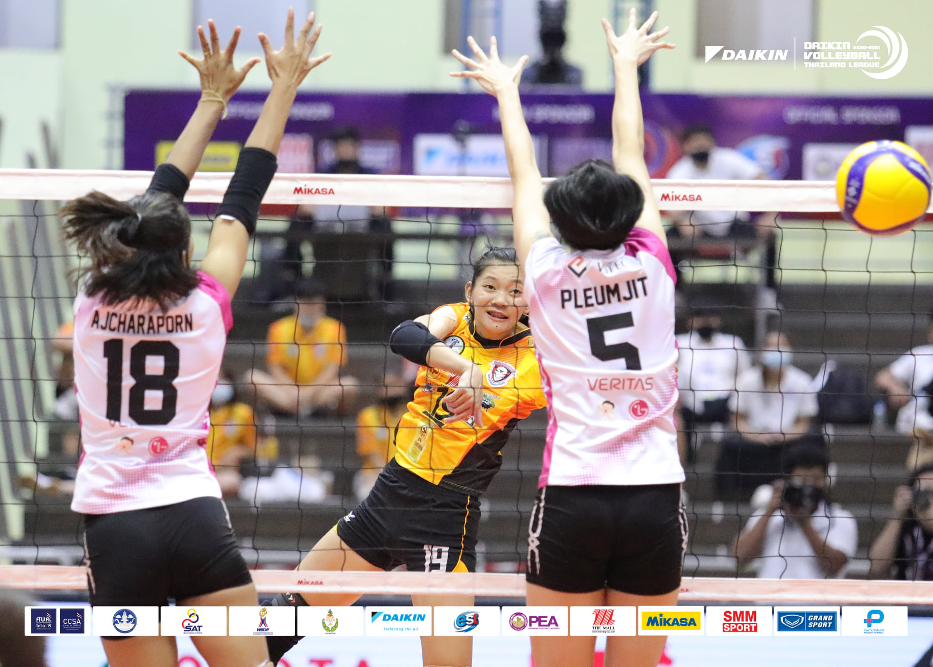 NAKHON RATCHASIMA, DIAMOND FOOD MAKE CLEAN SWEEP ON OPENING DAY OF SECOND-WEEK THAILAND LEAGUE FINALS