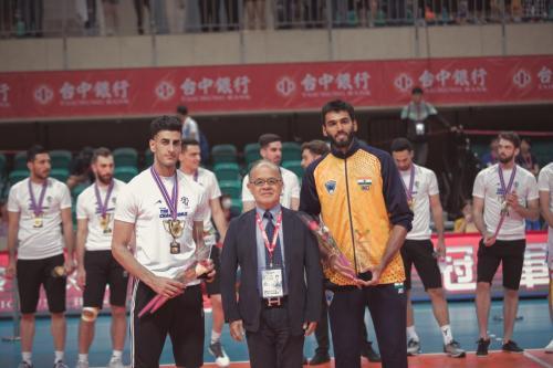 最佳中間攔網手(Middle Blocker)Razipoor Mohammad(IRI)及Ashwal Rai(IND)。(中華排協提供)